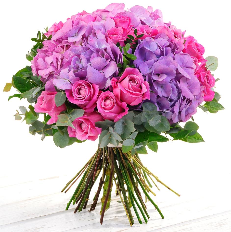 Рапунцель<br>Ингредиенты: Роза (60 см) 25 шт, Гортензия 3 шт, Писташ 1 шт, Эвкалипт 1 шт;