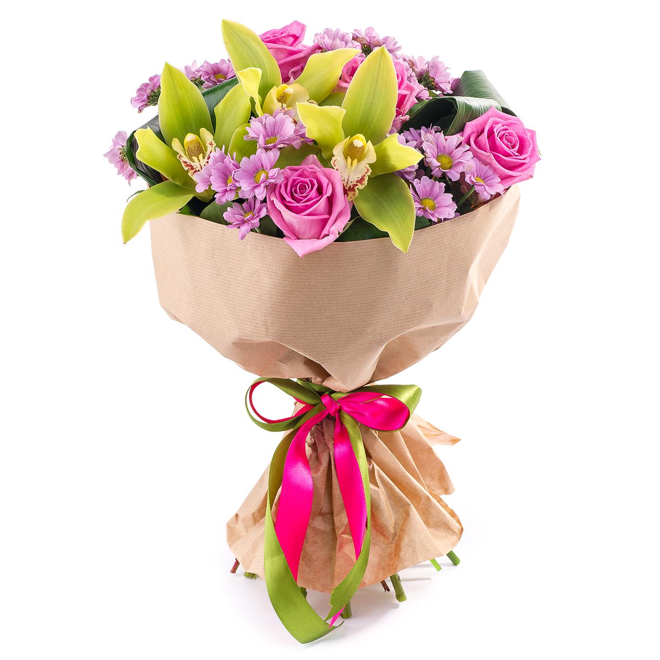 Авторский букет цветов Мотылёк<br>Ингредиенты: Аспидистра 2 шт, Салал, Хризантема кустовая 4 шт, Цимбидиум 3 шт, Роза (50 см) 5 шт, Крафт 1 шт;