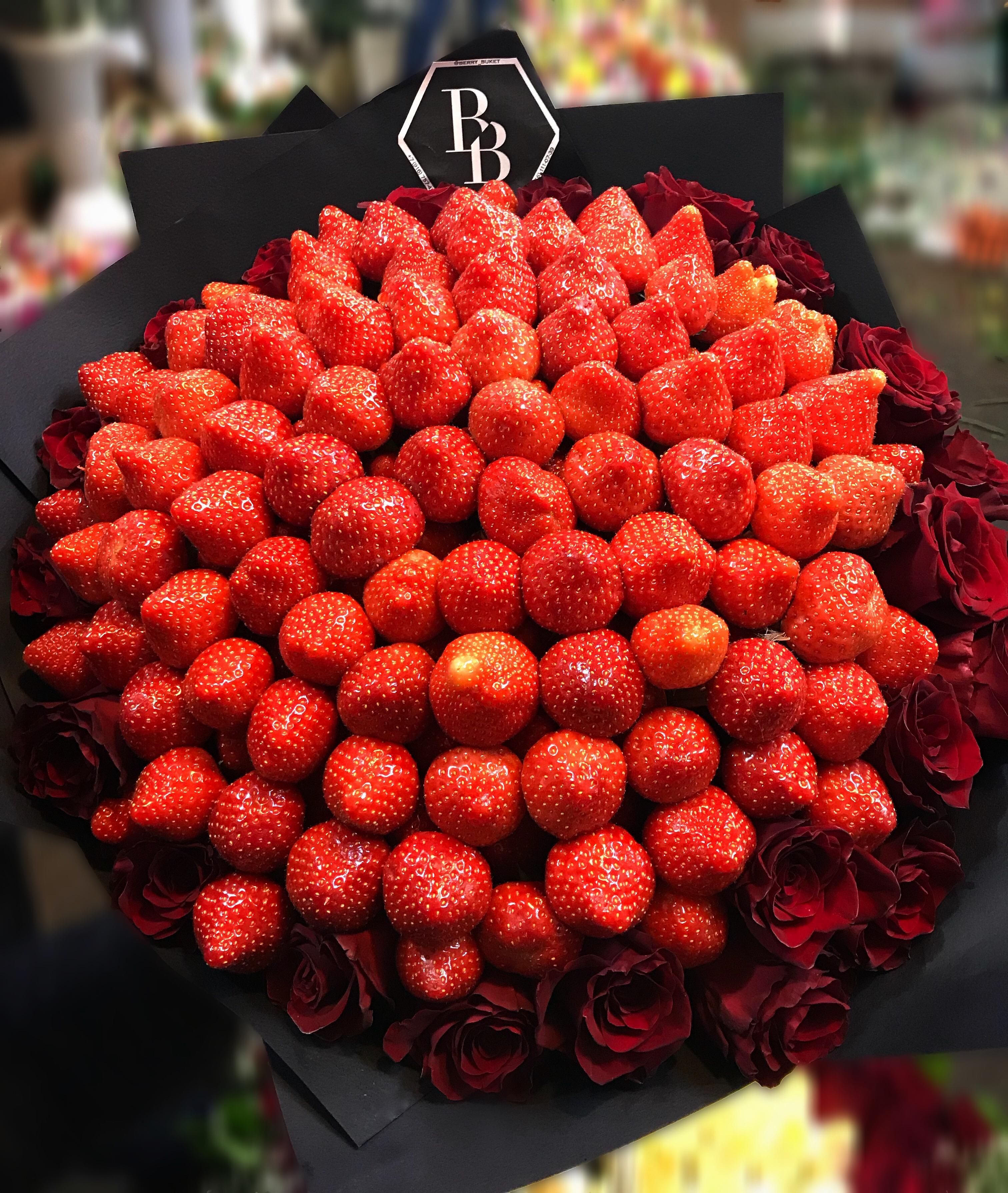 это новая букет роз красивый фото и клубника любишь