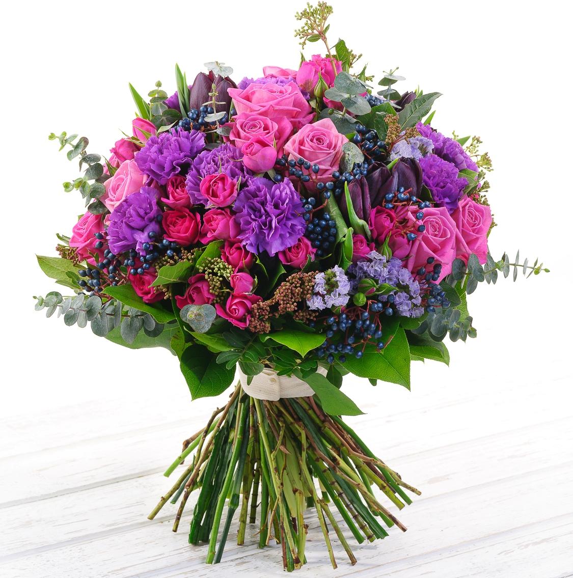 Авторский букет цветов Бланш нуаро и бланш